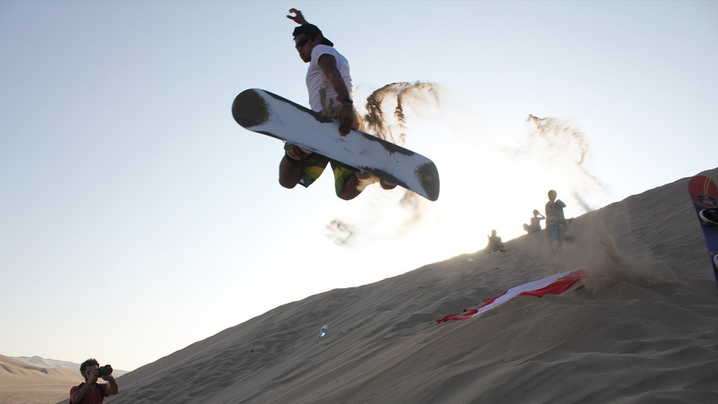 Sandboarding en el desierto de la Huacachina